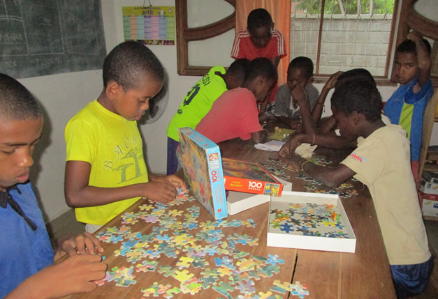 Vidéo : Des activités périscolaires dans les centres d'accueil de la région de Tuléar