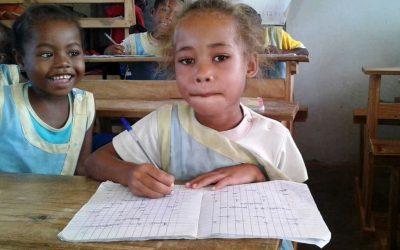 Photos : Dans les classes de l'école FANILO à Andranomena (Association FIMAMIFA)